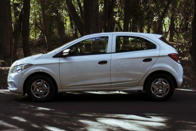 Chevrolet Onix Joy - parque